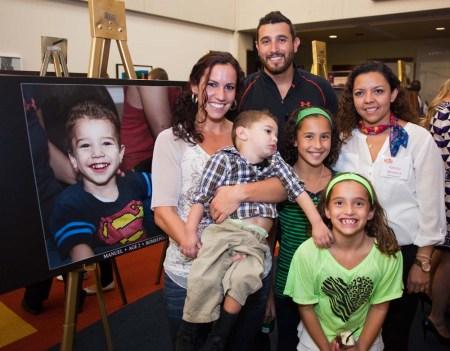 Patti Mendoza w supermanny & family